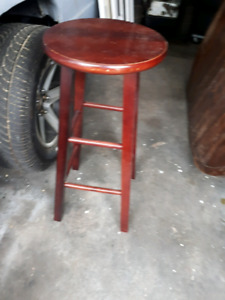 Set of 2 wooden stools