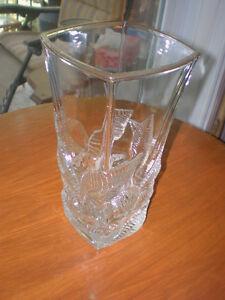 Vase à fleurs / verre taillé / vintage / 15b000