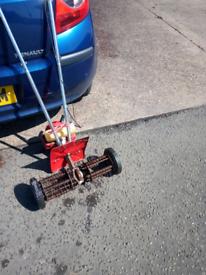 Lawn Scarifier *MANTIS* Moss remover - Cultivater £95 * BARGAIN !!