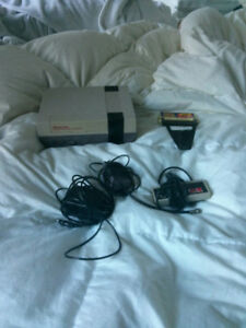 NINTENDO ENTERTAINMENT SYSTEM + GAME GENIE
