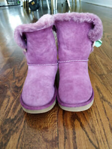 Ugg - Bailey Button Boot  - Great Condition - Just Dry Cleaned