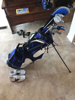 Golf clubs, golf bag and golf shoes