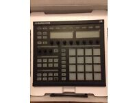 Native Instruments Maschine, like new condition