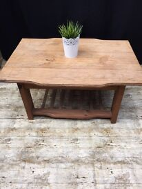 PINE TABLE IN GOOD CONDITION