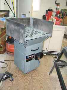 Delta Down Draft Sanding Station -  Price Reduced Campbell River Comox Valley Area image 1