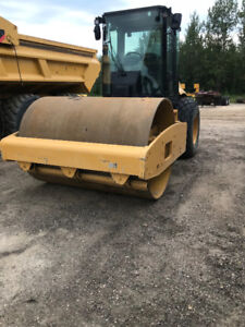 2008 Cat CS-563E Packer with 3906 hours