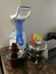 Ice Cream Maker & Fondue Fountain and Pot