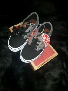 YOUTH AUTHENTIC ATWOOD VANS BLACK AND GREY 12C