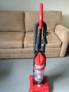 Dirt Devil bagless vaccum cleaner