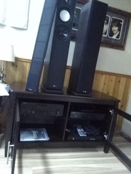 Home sound new. I sale separately or trade for vinyl record
