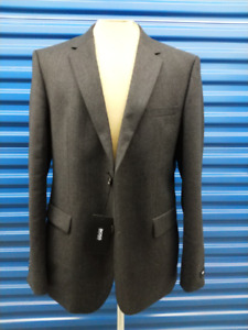 brand new with tags $800 Hugo Boss suit 44 REG $400 or best offr