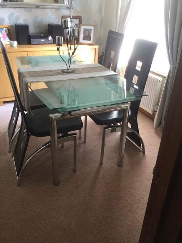 Tempered Glass Dining Room Extendable Table and 4 Chairs