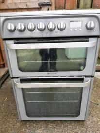 60cm Hotpoint ceramic cooker
