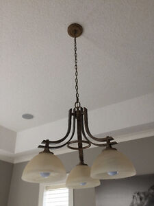 Ceiling light in excellent condition Stratford Kitchener Area image 2