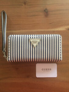 PORTE FEUILLE GUESS NEUF