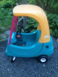 Little Tikes Cozy Coupe Ride In Car
