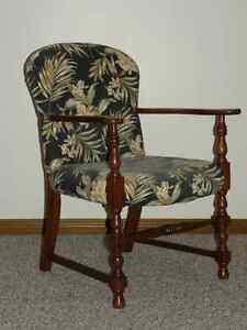 Chairs (Upholstered) Windsor Region Ontario image 5