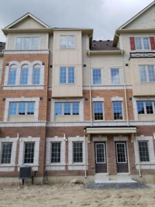 4 Bedroom Spacious Oshawa Townhouse for Rent