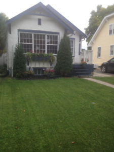 Broders Annex - 2 bdrm house with garage and great yard!