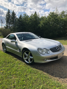 Stunning 2003 Mercedes Benz SL500 convertible with V8 engine!!!