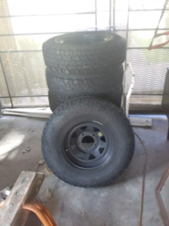Landcruiser rims and tyres x5 Manoora Cairns City Preview