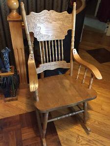 Solid Oak Rocking Chair - MINT Condiiton
