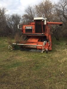 8900 white combine for parts