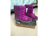 Girls North Face Boots UK Size 3