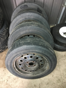185/65R15 Bridgestone Turanza tires on rims