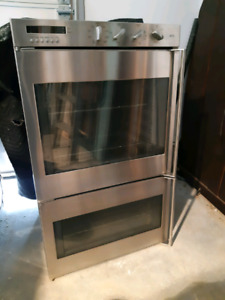 Stove top, oven, and hood range all stainless