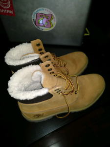 Timberland boots 9.5 US