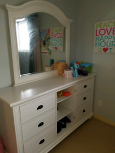 Selling Kids beds, dressers and fish tank