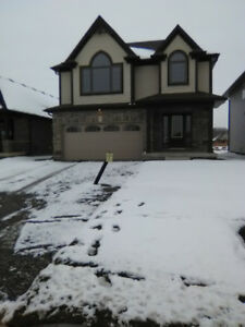 SOCIAL ASSISTANCE & STUDENTS WELCOME AT THIS 4 BEDROOM HOUSE