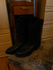 mens cowboy boots/leather