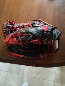 "Selling New Demarini 13"" Right Handed (Throws Left) Glove"