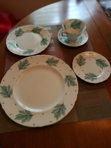 Collectables dish set