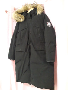Large Huddy black coat for 200$ negotiable
