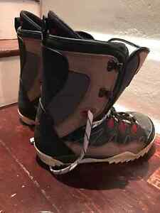 Salomon 154cm Snowboard with bindings & SIMS Boots (Mens 11) Kitchener / Waterloo Kitchener Area image 4