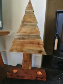 Burnished mini Xmas tree with tea light holders