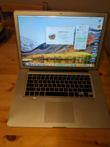 Macbook Pro 15in mid-2010 i7 SSD Brand New Battery