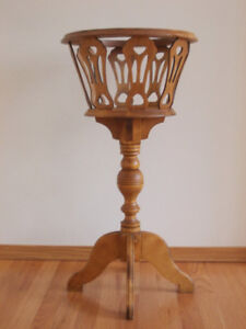 Antique fern/plant stand