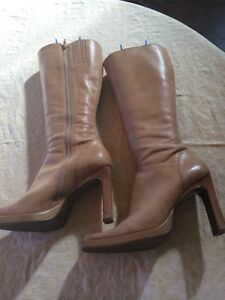 Gorgeous size 10 leather Steve Madden boots - new price!