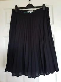Skirt size 14