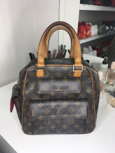 Authentic Louis Vuitton Monogram Excentri Cite Handbag
