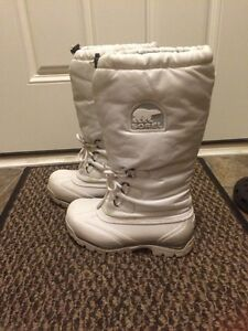 Women's Sorel Snowlion Boots size 10