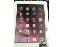 iPad 2 cracked screen 16gb wifi working