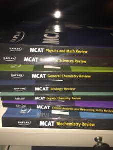 MCAT BOOKS!! Kaplan and Princeton Review.