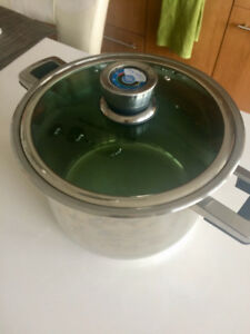 Large cooking pot/faitout with thermometer 10L