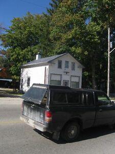 Office , Utilities parking Included , Washroom , 2 entrances