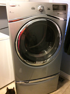 FS Whirlpool Duet Washer/Dryer set